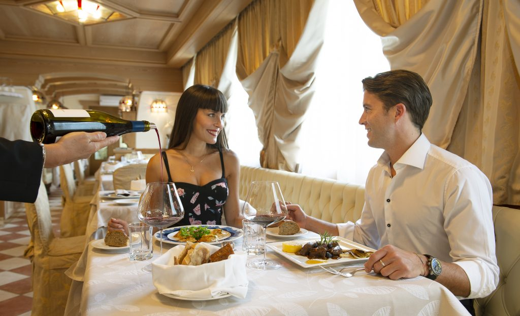 romantic dinner at the restaurant of hotel alle alpi
