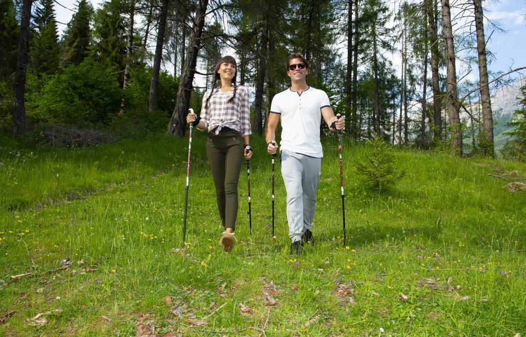 trekking di coppia in estate in val di fassa
