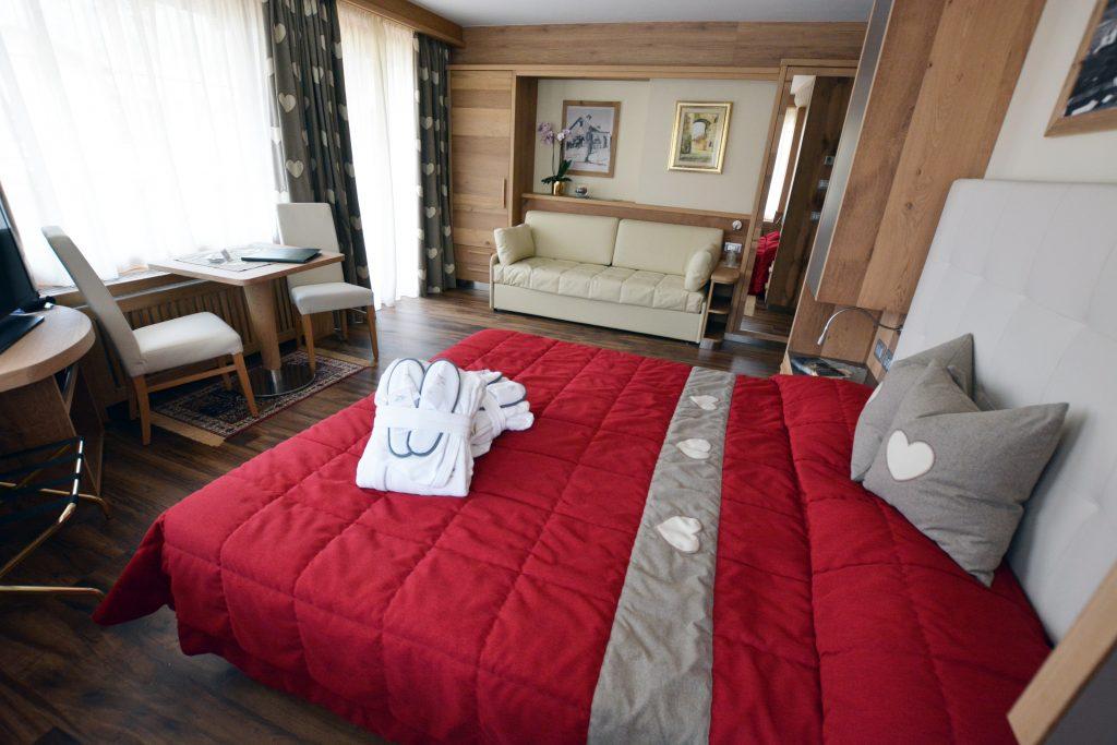 camera comfort hotel alle alpi in val di fassa