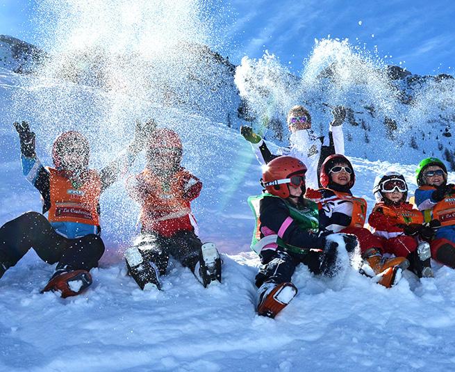 junior-club-asilo-sulla-neve-moena-scuola-sci-bambini
