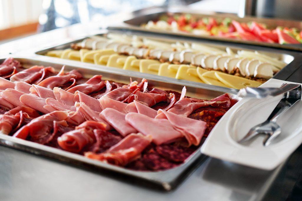 salumi e formaggi serviti presso l'Hotel Alle Alpi Beauty e Relax