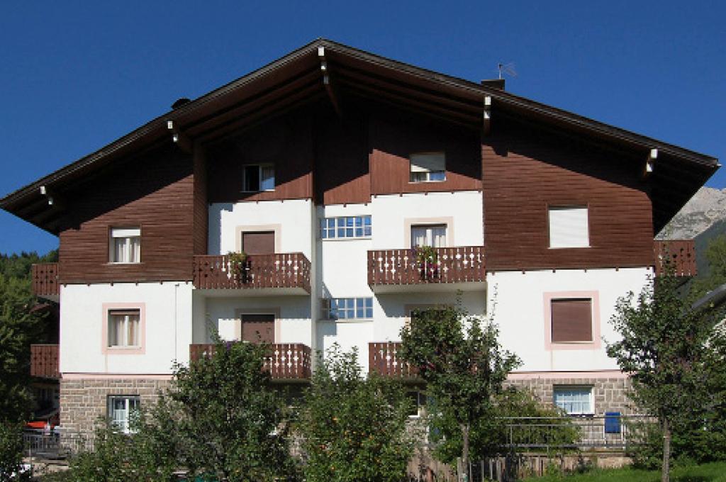 esterno estate bed and breakfast villa ursula dell'hotel alle alpi in trentino